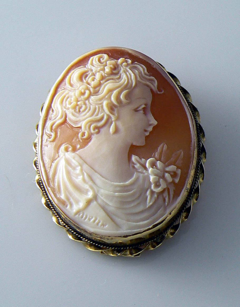 Vintage 18k Yellow Gold Carved Shell Cameo Gennarro Borriello Brooch - Vintage Lane Jewelry