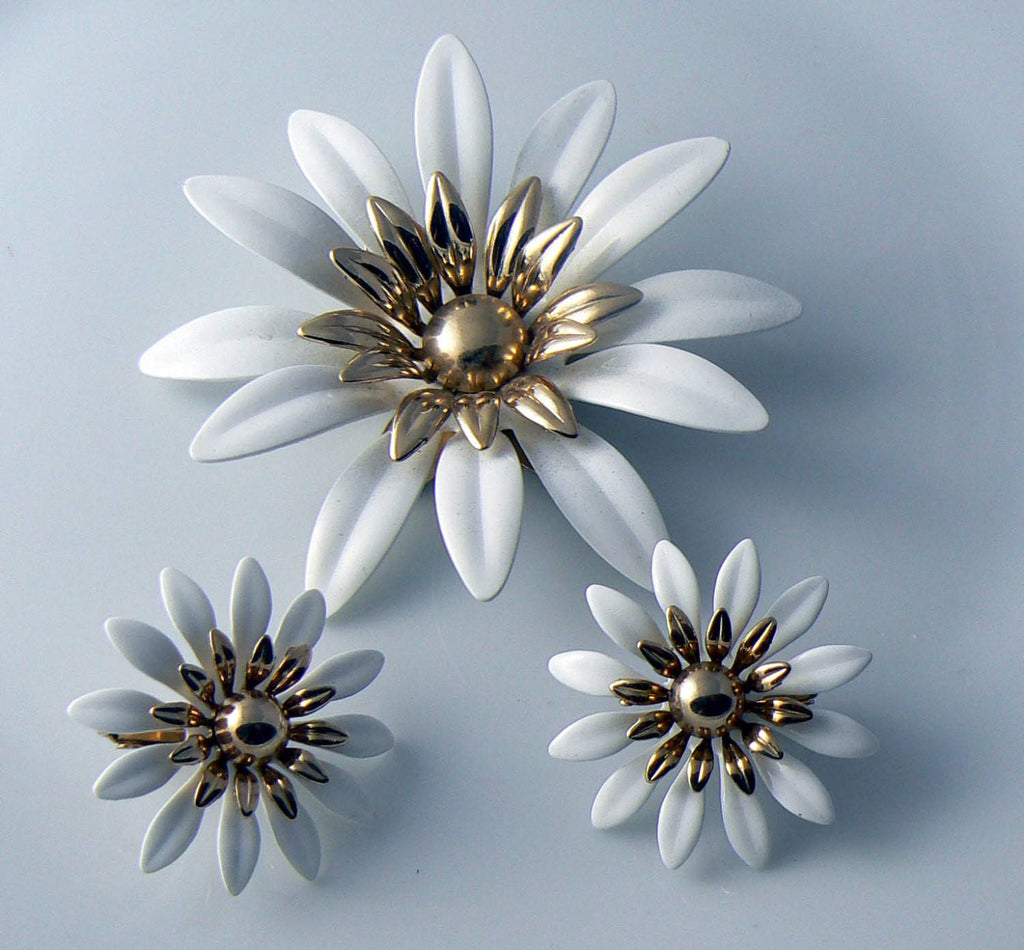 Vintage Sarah Coventry White Daisy Demi Parure - Vintage Lane Jewelry - 2