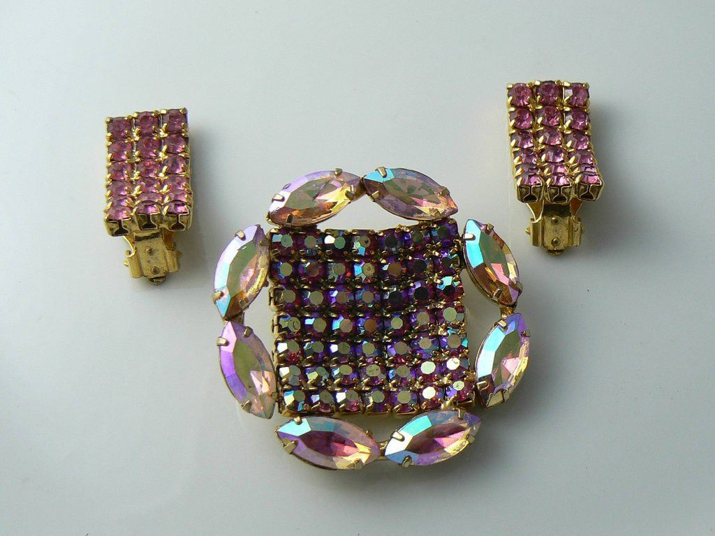 Pretty Vintage Married Pink Ab Brooch And Clip On Earrings - Vintage Lane Jewelry