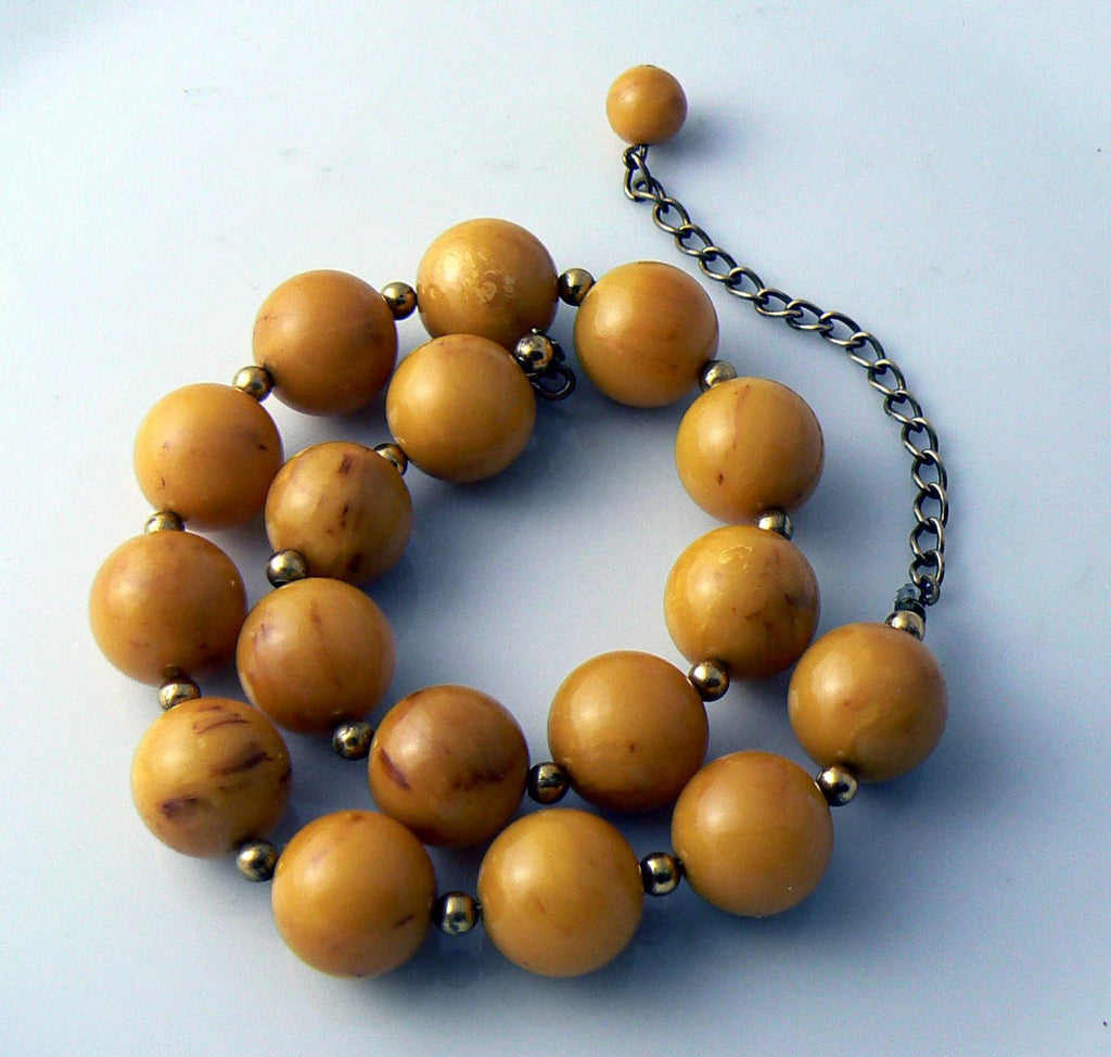 Vintage Bakelite Bead Necklace - Vintage Lane Jewelry