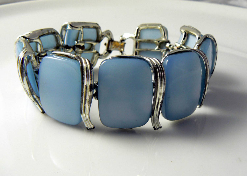 Lisner Blue Moonglow Thermoset Chunky Bracelet - Vintage Lane Jewelry