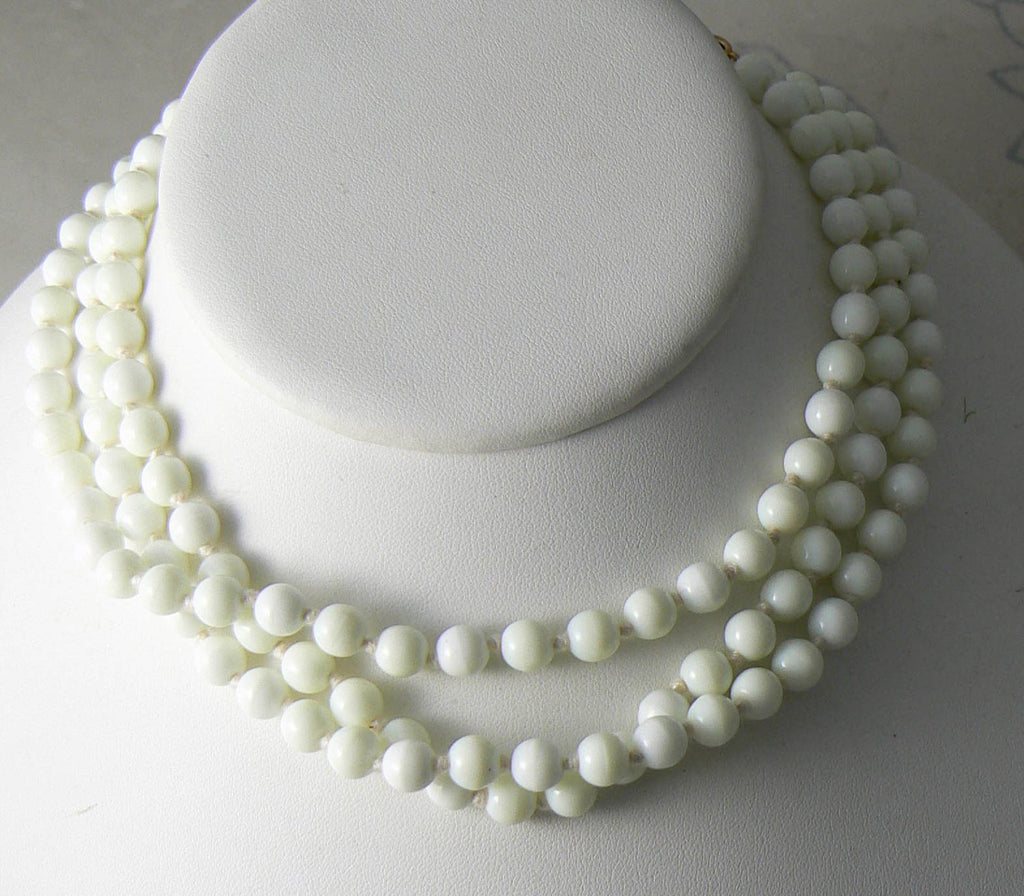 Art Deco Cream Uranium Glass Flapper Beads - Vintage Lane Jewelry