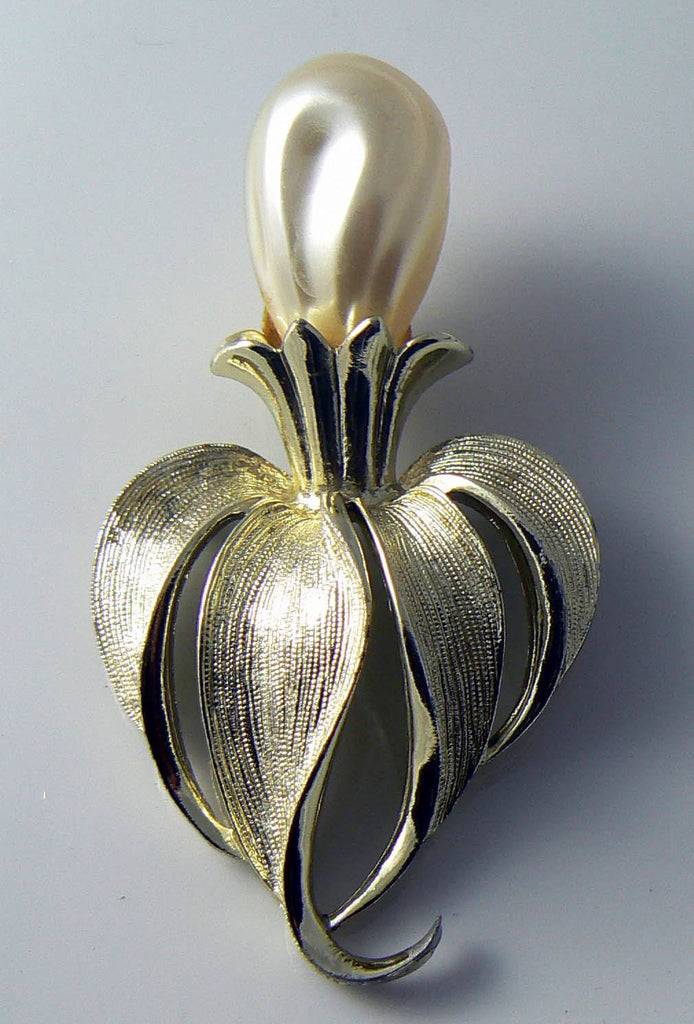 Vintage Sarah Coventry Signed Faux Pearl Iris Brooch - Vintage Lane Jewelry
