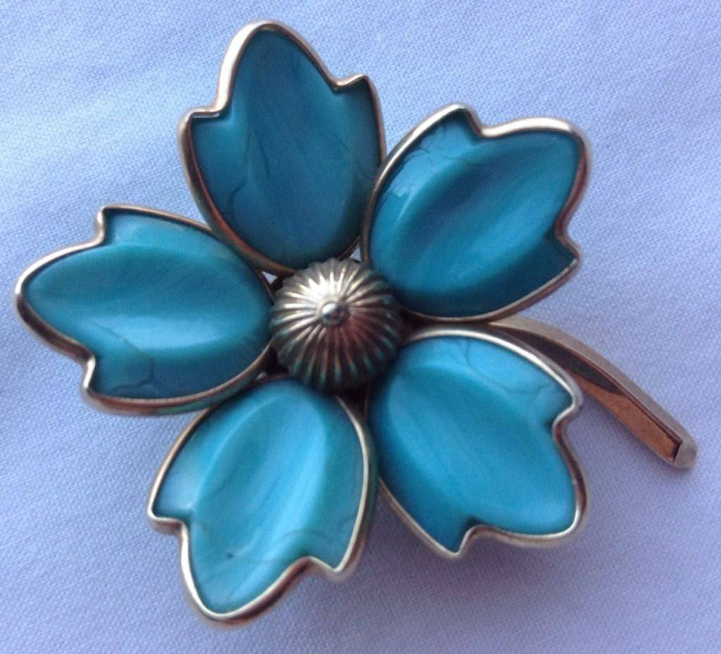 Vintage Crown Trifari Signed Turquoise Molded Dogwood Flower Brooch - Vintage Lane Jewelry
