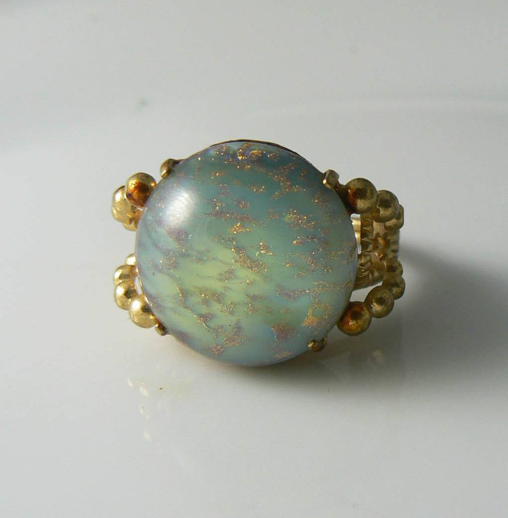 Huge Vintage Green Venetian Glass Cabochon Ring - Vintage Lane Jewelry