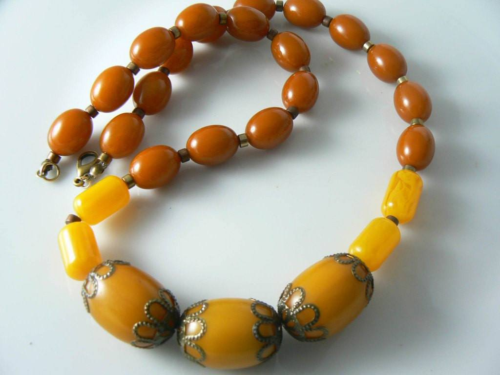 Antique Bakelite Necklace - Vintage Lane Jewelry