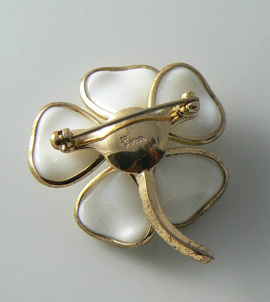 Crown Trifari Poured Glass White Flower Brooch. - Vintage Lane Jewelry - 2