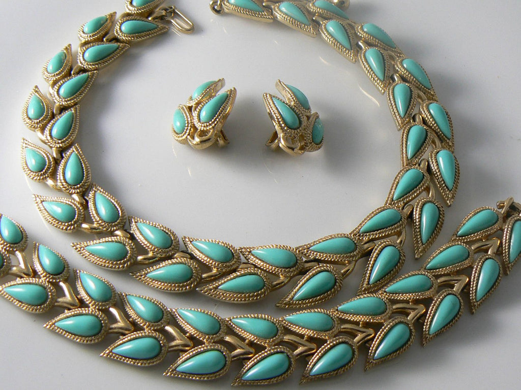 Vintage Crown Trifari Aqua Colored 4 Piece Set - Vintage Lane Jewelry