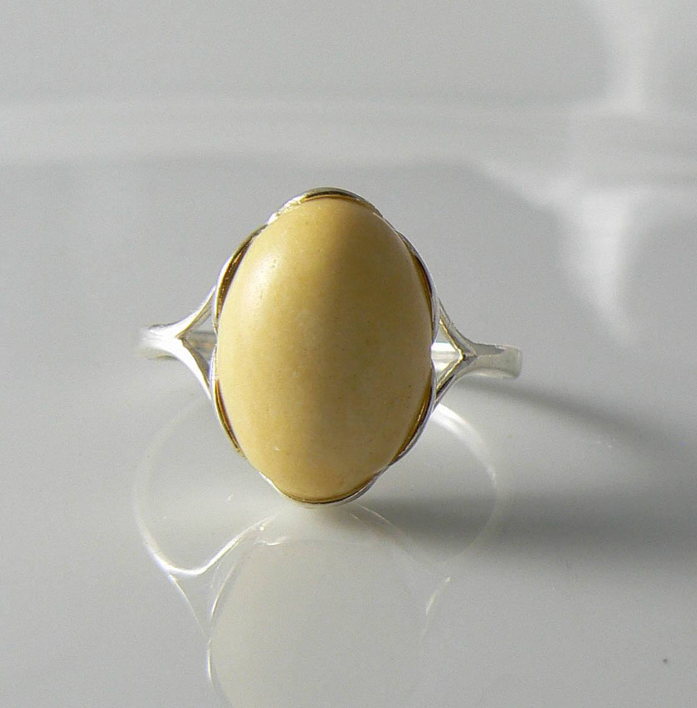 Creamy Butterscotch Amber Sterling Silver Ring - Vintage Lane Jewelry
