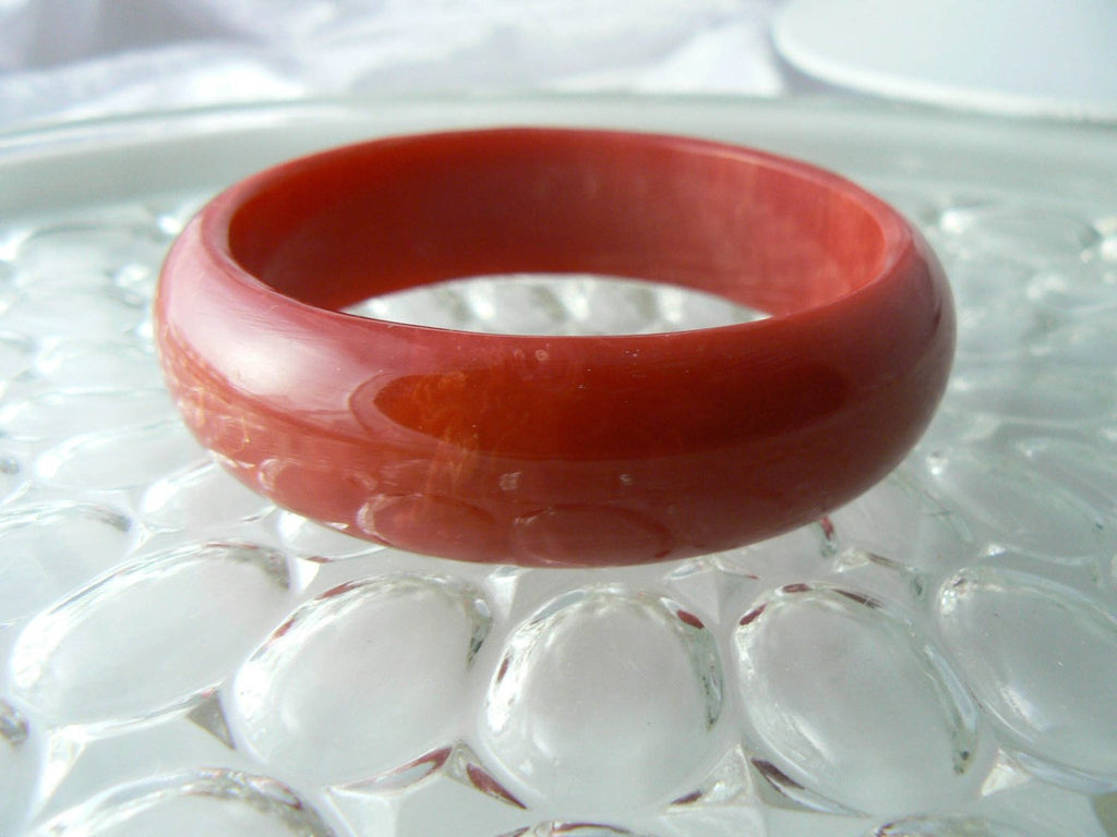 Marbled Lipstick Red Bakelite Bangle Bracelet - Vintage Lane Jewelry
