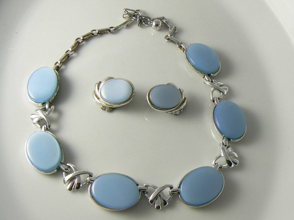 Blue Gray Thermoset Necklace And Earrings Set - Vintage Lane Jewelry