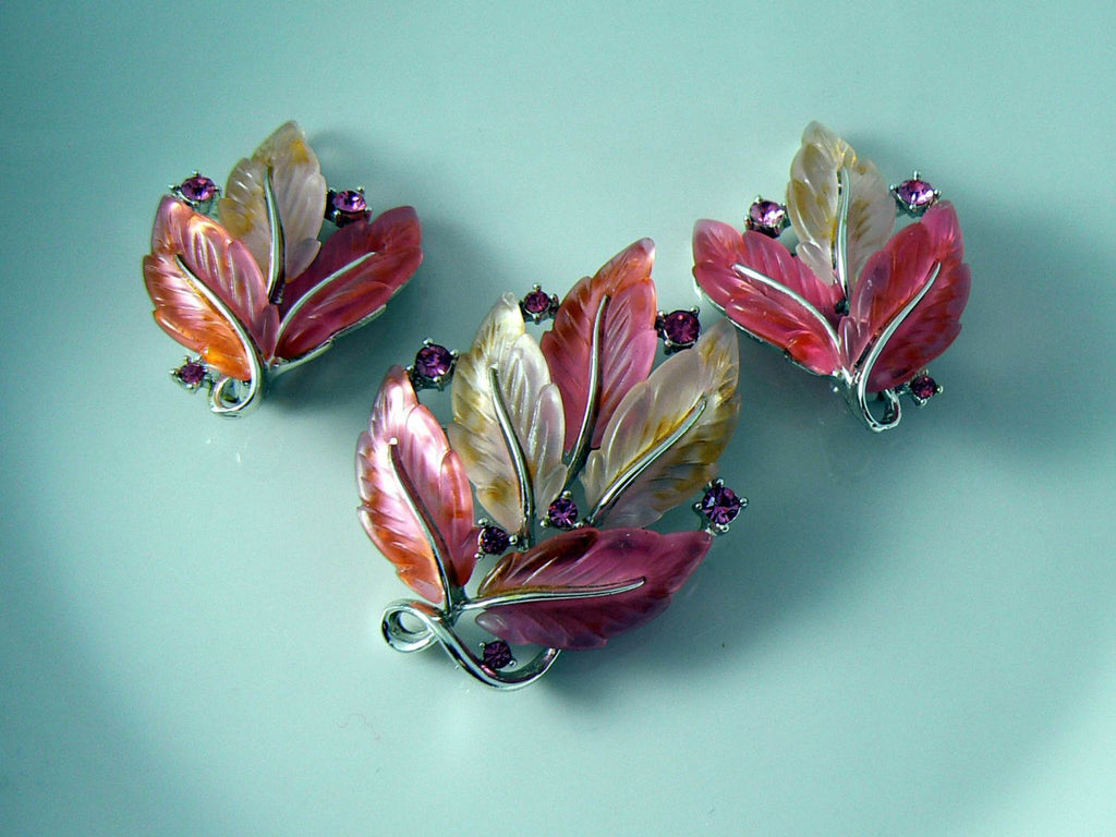 Lisner Pretty In Pink Molded Leaves & Rhinestones Pin Earring Set - Vintage Lane Jewelry