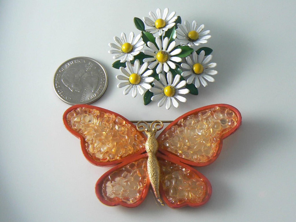 Vintage Orange Enamel And Acrylic Butterfly And Daisy Pin - Vintage Lane Jewelry - 2