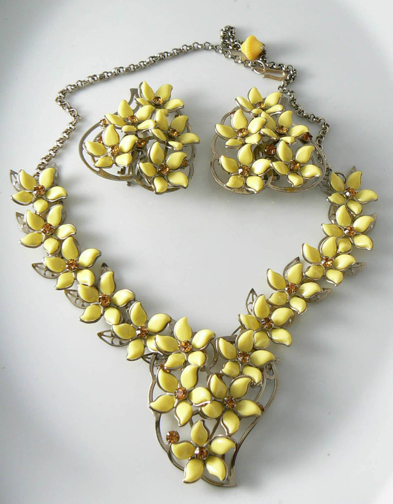 Vintage Yellow Plastic Flower Necklace And Earring Set - Vintage Lane Jewelry