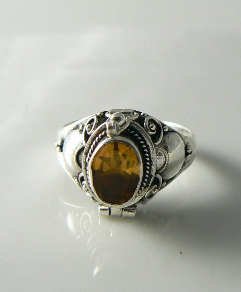 Sterling Silver Oval Citrine Bali Poison Ring - Vintage Lane Jewelry - 1