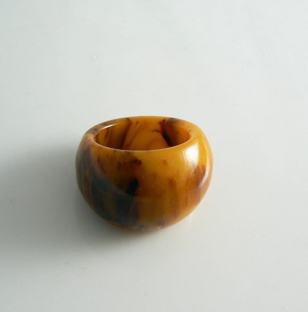 Vintage Butterscotch Marbled Bakelite Chunky Ring - Vintage Lane Jewelry