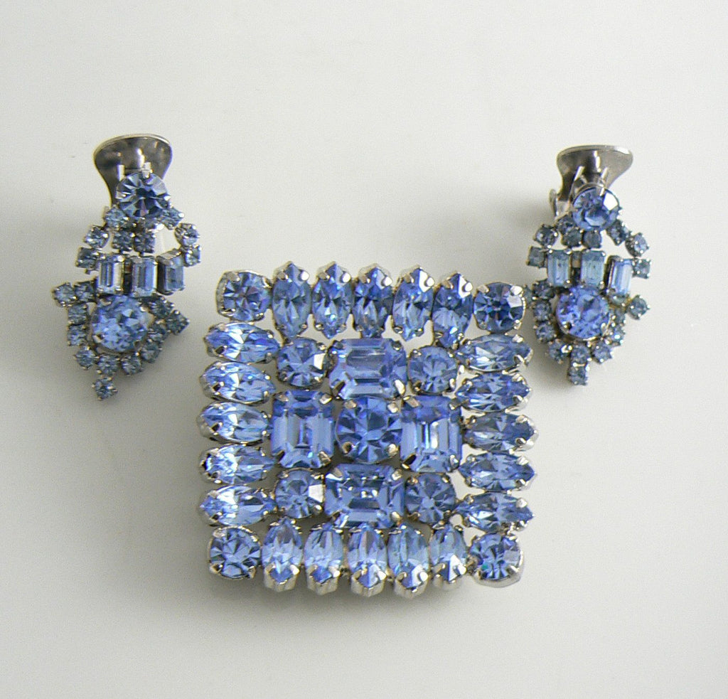 Beautiful Baby Blue Rhinestone Vintage Pin Earring Set - Vintage Lane Jewelry - 2