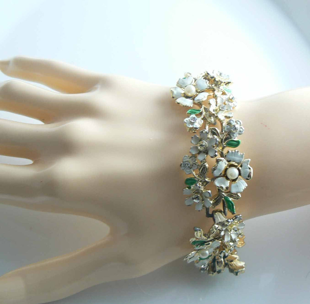 White Enamel Flowers Rhinestone Pearl Necklace Bracelet Earring Set - Vintage Lane Jewelry