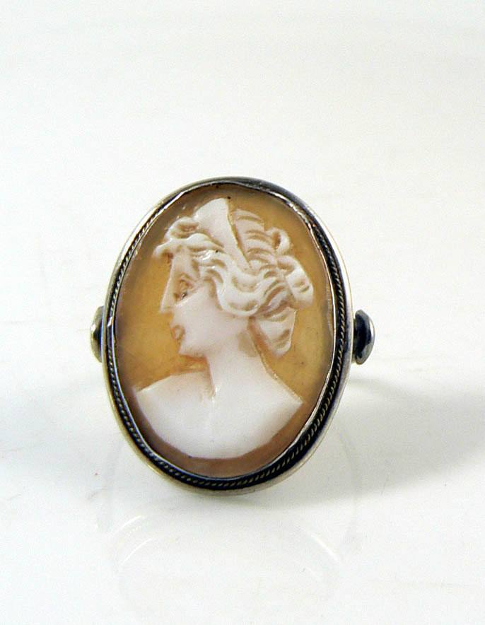 Vintage Shell Cameo Sterling Silver Ring - Vintage Lane Jewelry