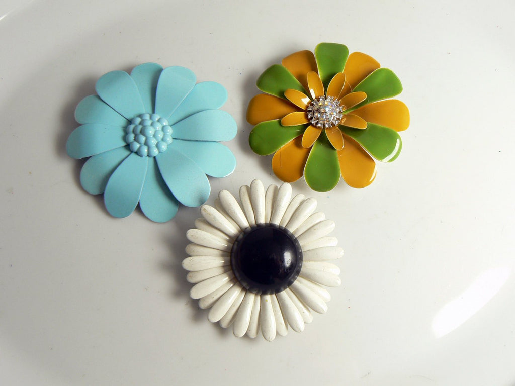 Vintage Enamel Flower Lot Pins, Blue Daisies - Vintage Lane Jewelry