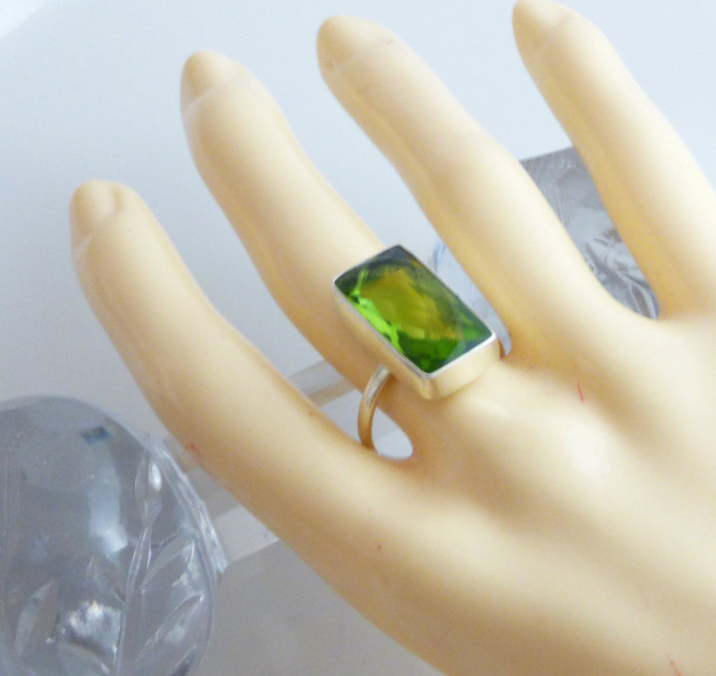 12CT Faceted Peridot Sterling Silver Ring, Size 8.5 - Vintage Lane Jewelry