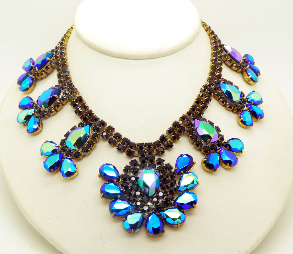 chantilly blue triangular rhinestone necklace img