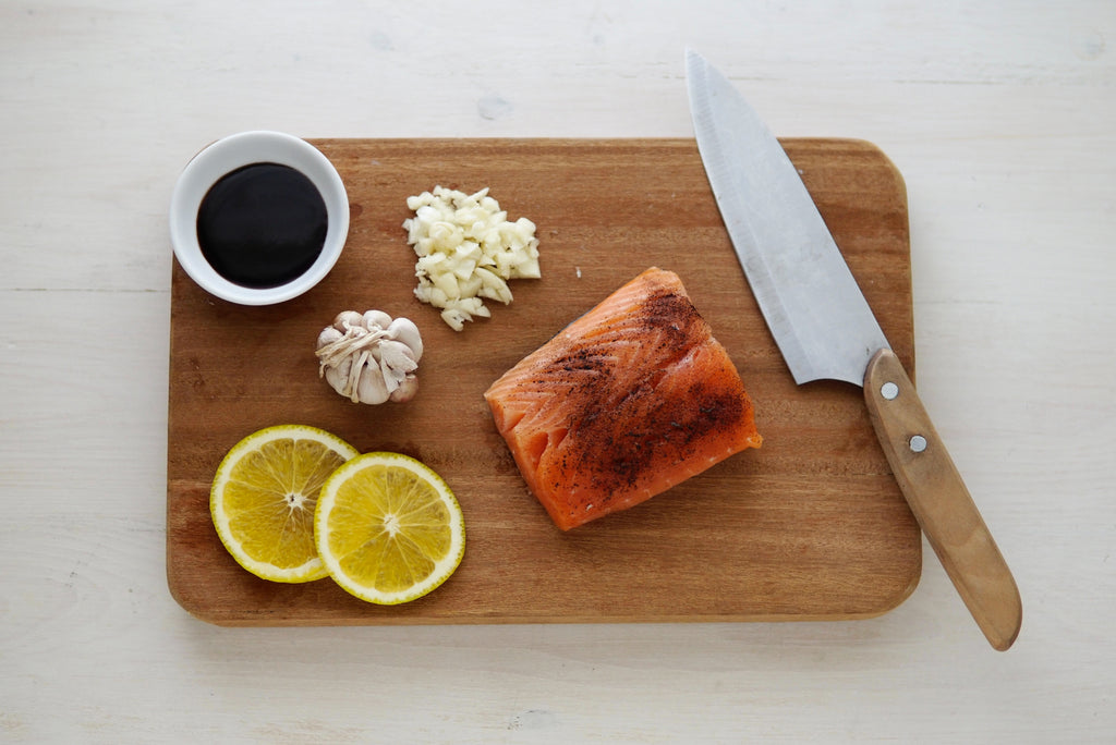 salmon knife and cuttingboard