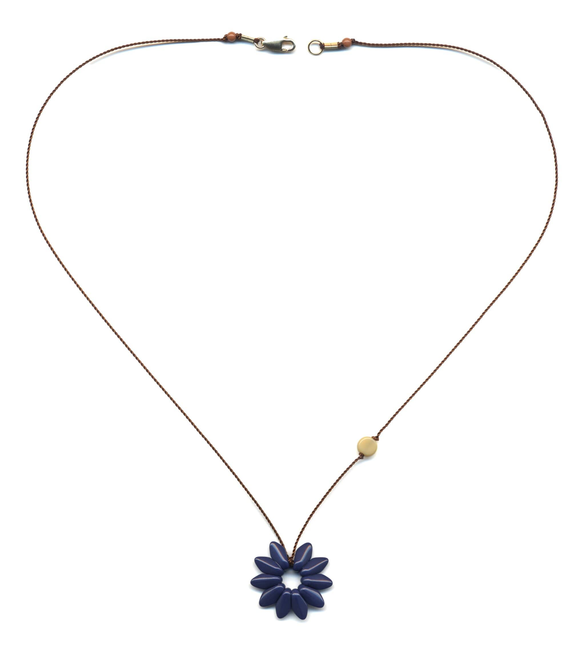 N1879 Small Navy Flower Necklace