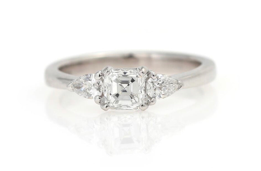 18K Asscher/pear shape diamond band