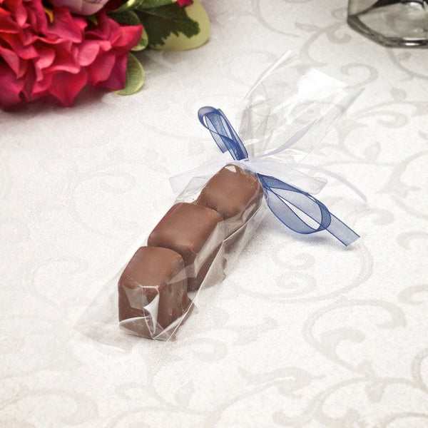 Our sponge candy trio with bow is perfect for your guests.