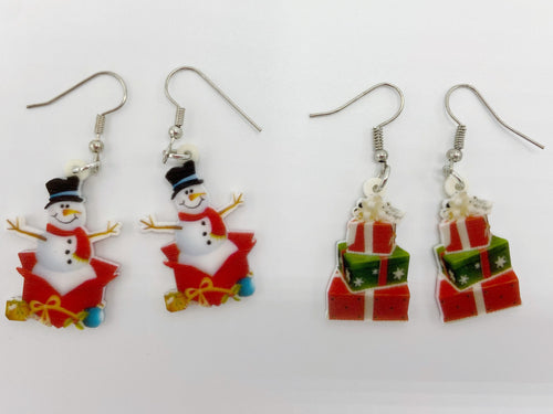 Snowman & Present Earrings: Christmas Holidays, Winter, Snow, Gifts