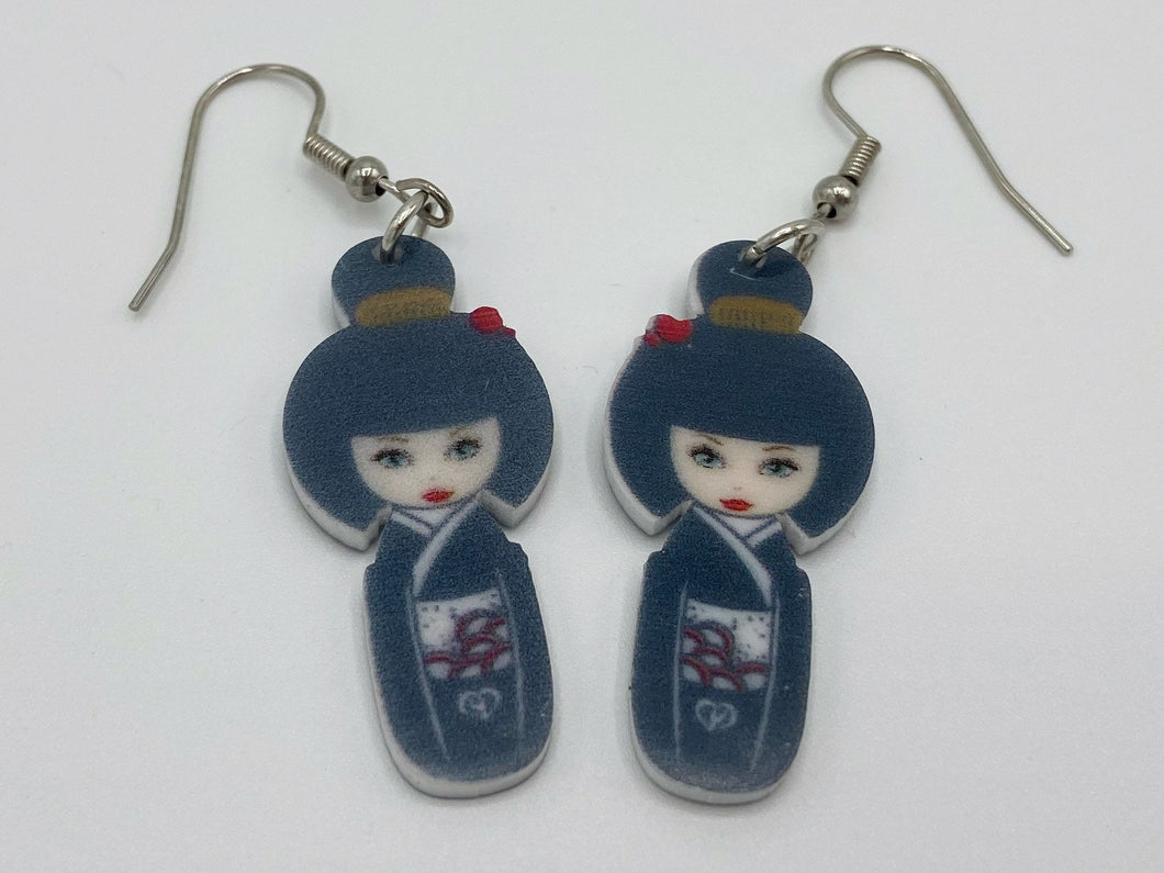 Japanese Doll Earrings: Asian Ladies, Tourist, Souvenir