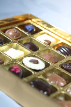 Load image into Gallery viewer, Create your personalised chocolate box