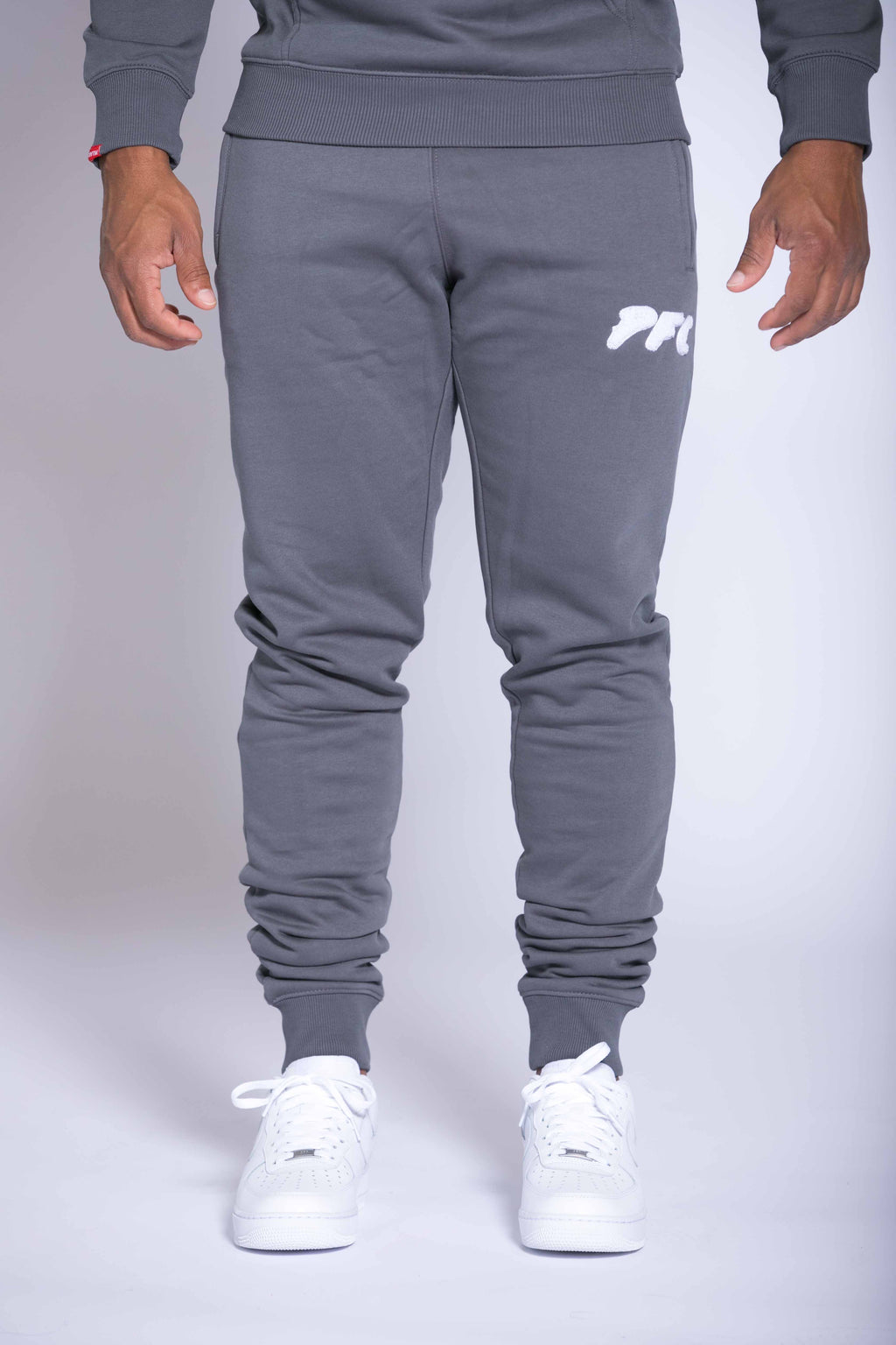 CLUB LOGO CHENILLE PANT | DARK GREY/WHITE
