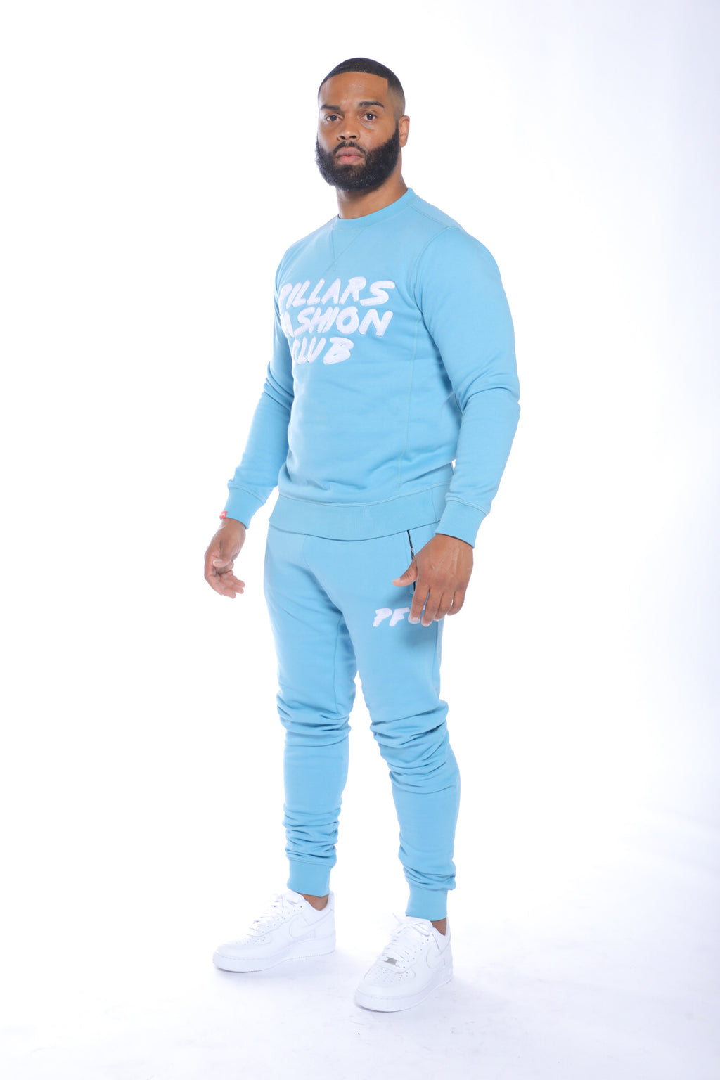 CLUB LOGO CHENILLE CREW NECK | AIR BLUE/WHITE