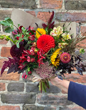 Load image into Gallery viewer, Arranged Bouquet