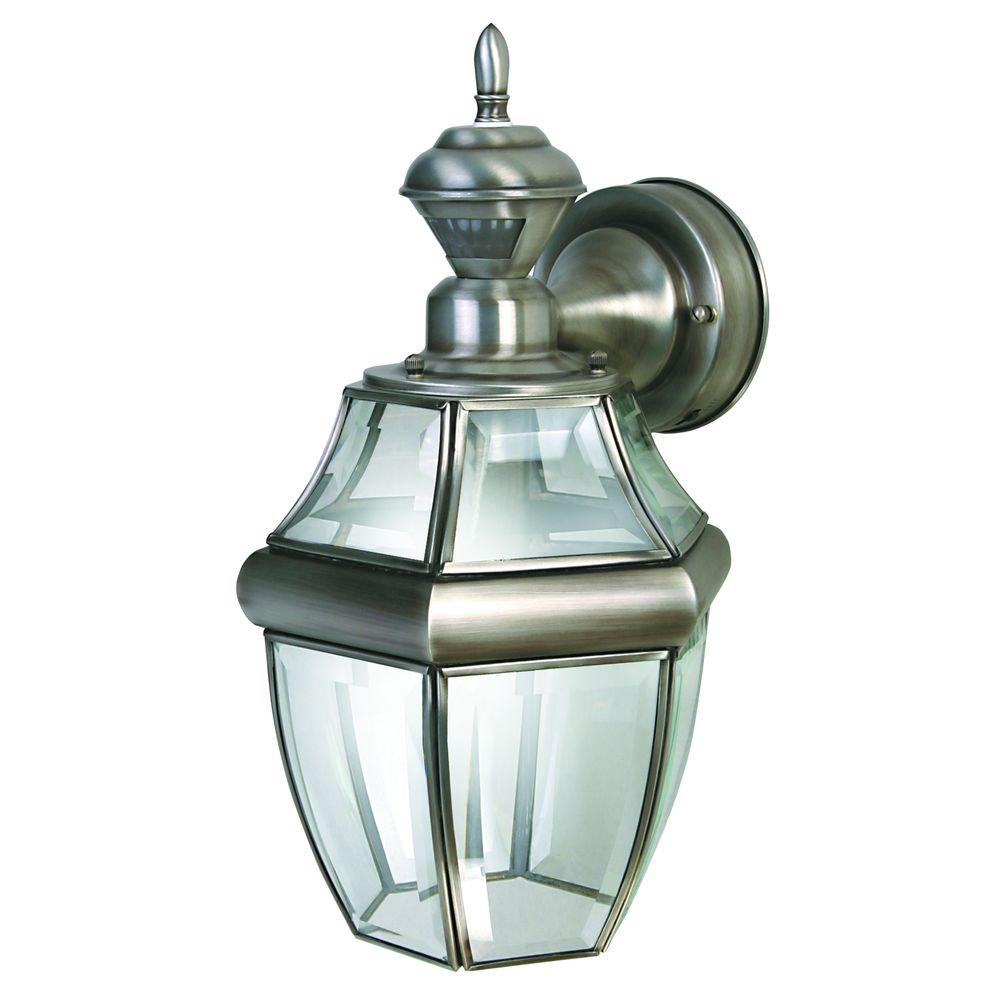 Heath Zenith HZ-4166-SA 150 Degree Silver Hanging Carriage Wall Lantern Sconce