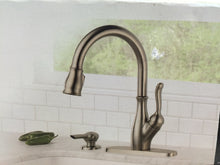 Load image into Gallery viewer, Delta 19978-SSSD-DST Leland Pull-Down Sprayer Kitchen Faucet Stainless