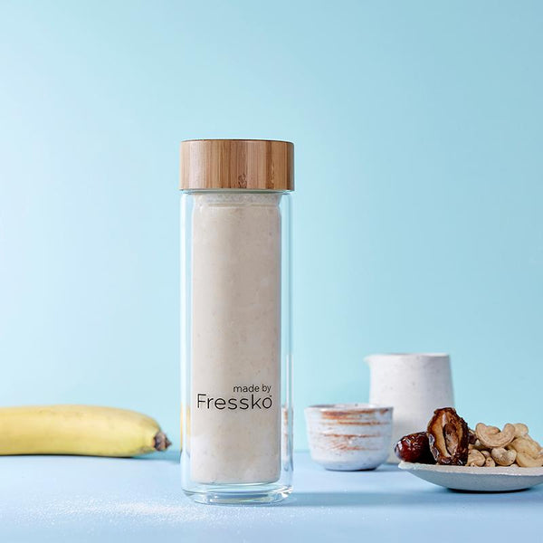 Salted caramel smoothie in TOUR Fressko glass flask