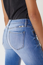Load image into Gallery viewer, KanCan Florence Mid Rise Super Skinny Jeans