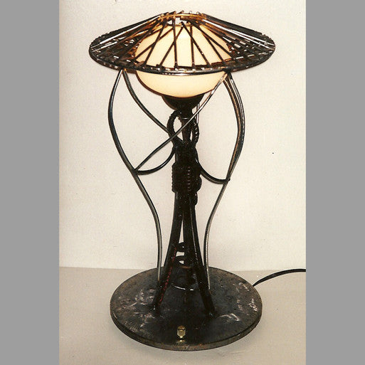 """Deco Wire-Cap"" Desk Lamp"