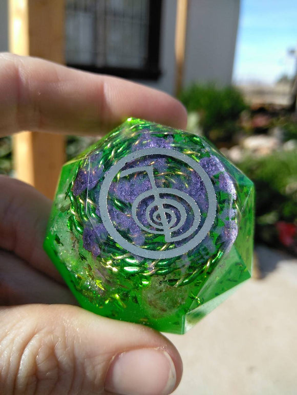 GO! Turn on the Cho Ku Rei - Reiki Practitioner Tool - Green and Yellow Spiral - Quartz and Sparkling Foil - Green to Go, Go, Go!