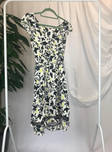 Load image into Gallery viewer, Dorothy Perkins Floral Dress | Size 12