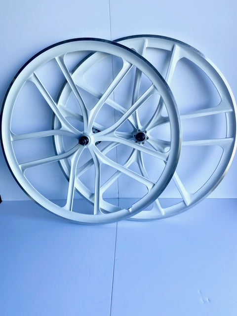 Premium 29″ CNC BMX Cruiser 10 Spoke Alloy Rims Bicycle Sealed Wheel Set, Gloss White