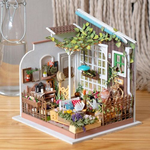 Miller's Garden DIY House Kit - Xmas Shop