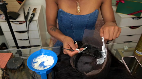 apply bleaching mixture to wig knots