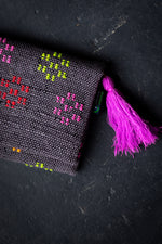 Load image into Gallery viewer, Woven Clutch with Tassel