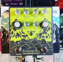 Charger l'image dans la galerie, EarthQuaker Devices Avalanche Run Ryo Delay & Reverb Guitar Effect Pedal - 400 Ex limited Edition 2020