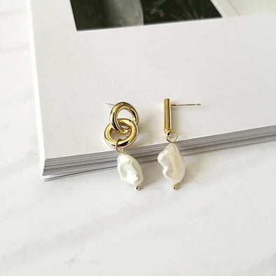Asymmetric Freshwater Earrings- coro coro