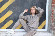 Load image into Gallery viewer, Women's Tracksuit Set in Brown